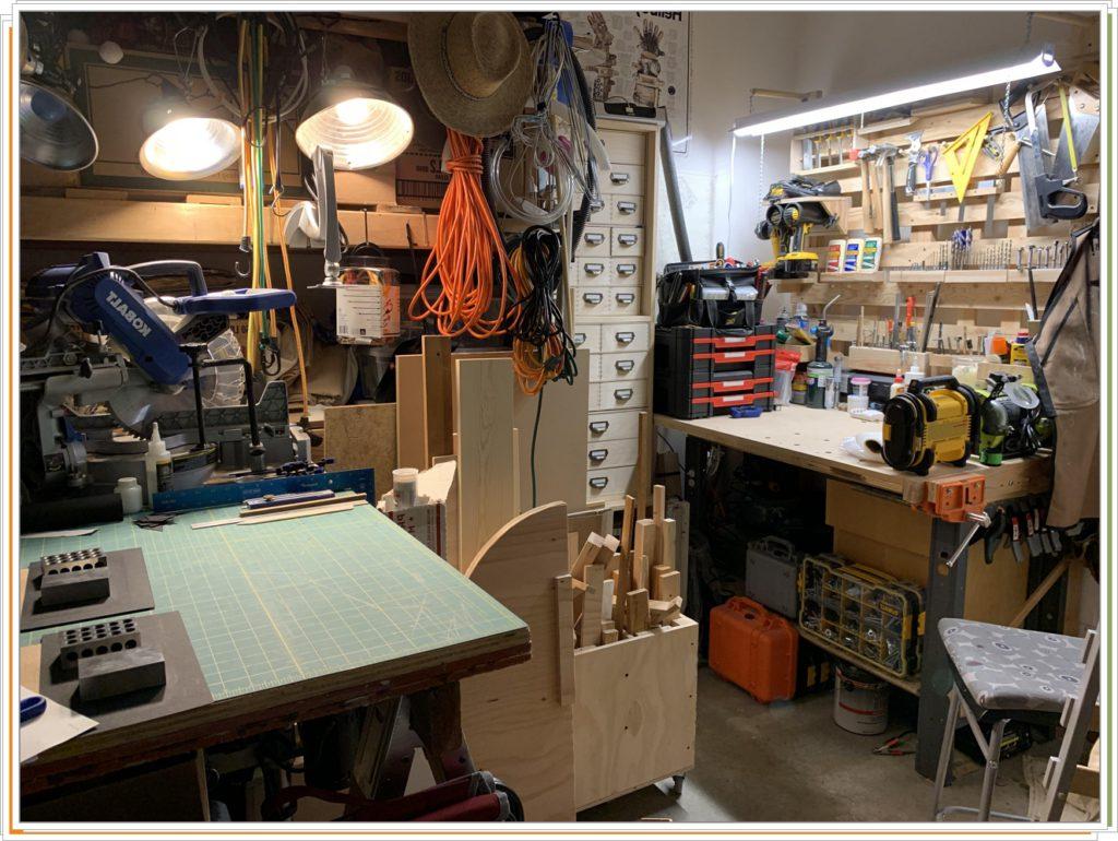 Мини-мастерская в маленьком гараже